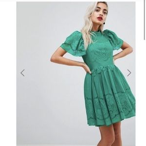 NWT ASOS Petite Lace Puff Sleeve Mini Dress 👗